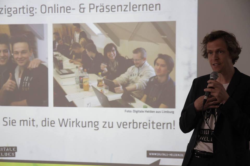 AndersGründer-Pitch in Frankfurt am Main: gewinnt Coaching, Beratung, Mentoring, Co-Working-Space und Netzwerk!