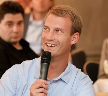 100 Menschen, 5Länder, 1000 gute Taten – Gründer Michael Hübl sucht Unterstützung für soziales Projekt
