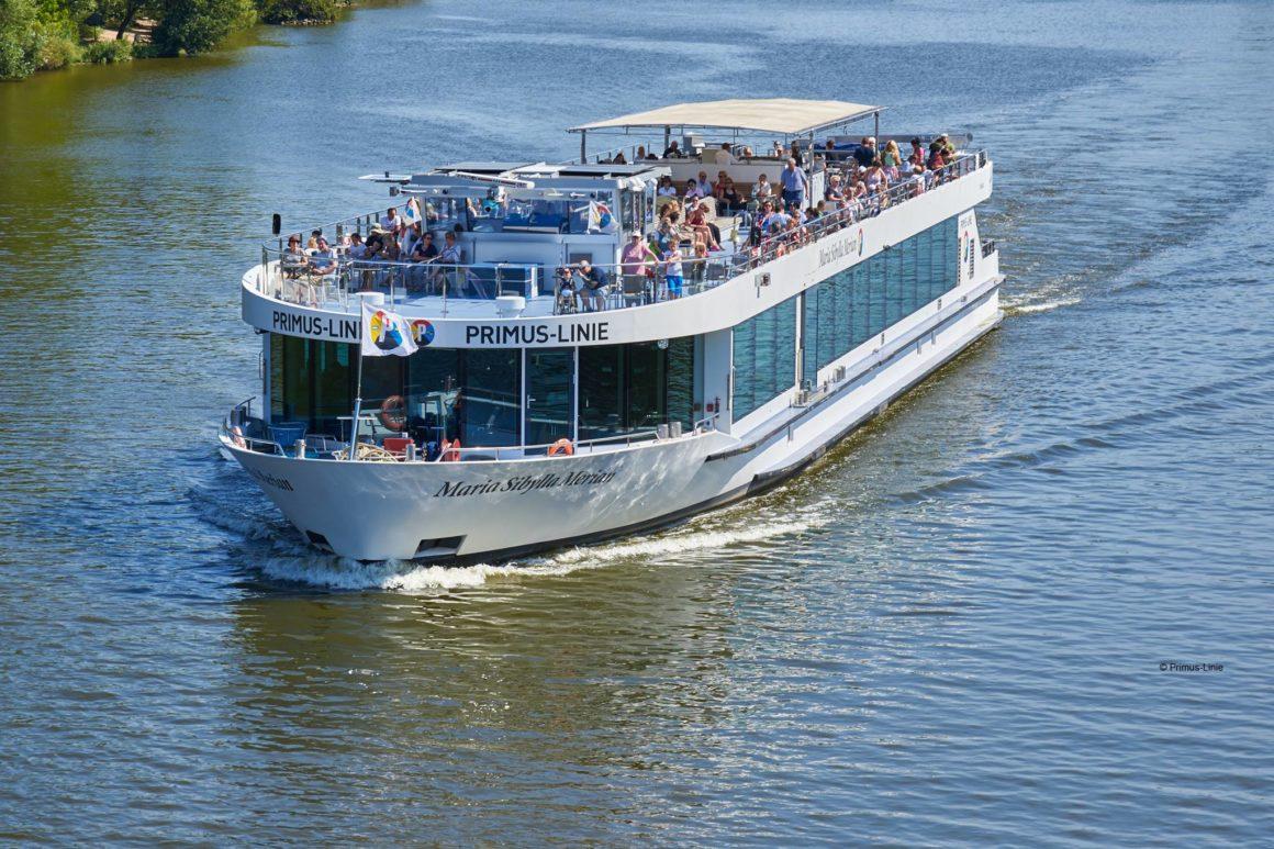 Das Gründerschiff Mainz-Wiesbaden legt ab