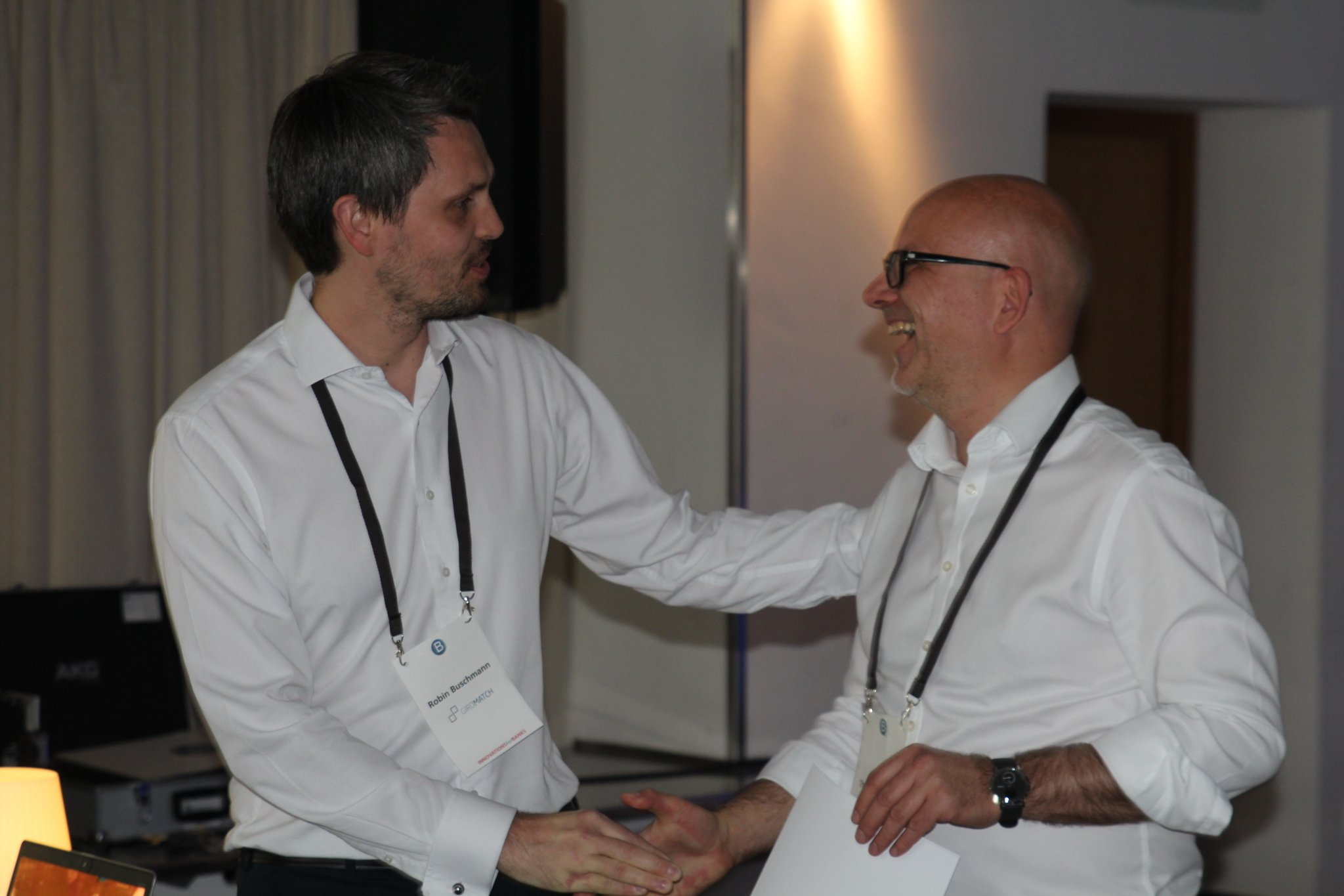 Giromatch-Gründer und Geschäftsführer Robin Buschmann (links) mit Bankingclub-Geschäftsführer Thorsten Hahn