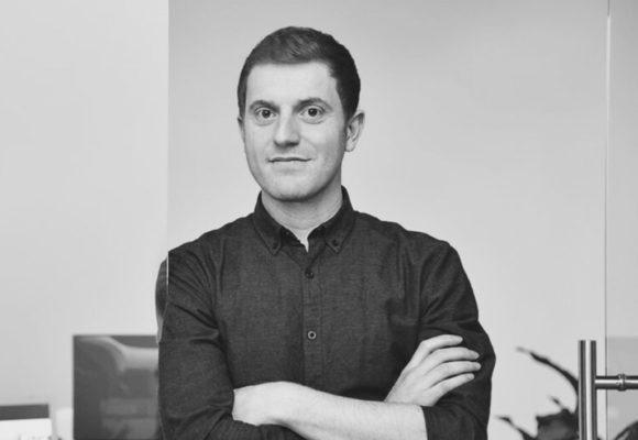 """""""Beharrlich bleiben und Prioritäten setzen"""" – Simon Toprak von TrustedCars im Gründer-Interview"""